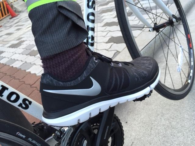 自転車通勤 靴