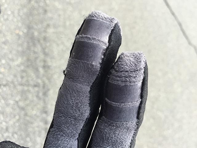 手袋でスマホの操作