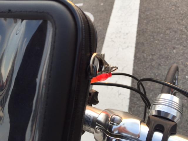 iPhone6Plus自転車用ケースのファスナー