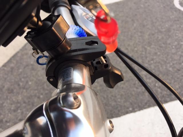 iPhone6Plus自転車用ケースの取付部分