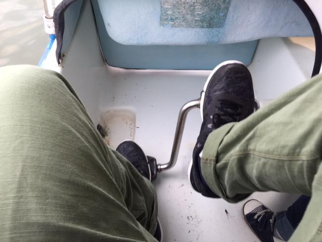 ボートのペダリング